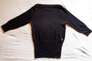 leichtes, schwarzes Strickshirt mit 3/4 Ärmeln