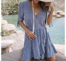 Leichtes Sommerkleid blau weiß Größe 36 small NEU