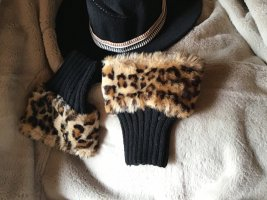 0039 Italy Legwarmers sand brown-black pelt
