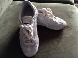 Letzte Reduzierung - Cremefarbene Sneaker von Puma