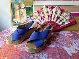 Letzte Reduzierung! Plateau - Sandalen in knalligem blau aus Italien von Marco Tozzi, Gr. 40 - wie neu!