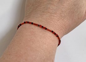 leuchtendes rotes Armband, 17 cm lang
