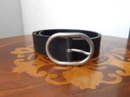 Levi's: schlichter, schwarzer Ledergürtel, Größe 90