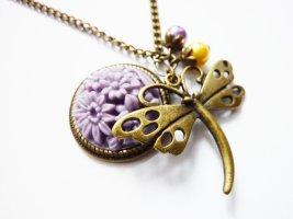 Libelle Anhänger mit Blüte - nostalgische Kette, Libellen Anhänger, Blüten Schmuck, lila Blumen, Romantik Schmuck Cabochon