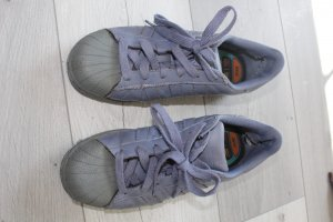 Lila Adidas Superstars color 39 1/3
