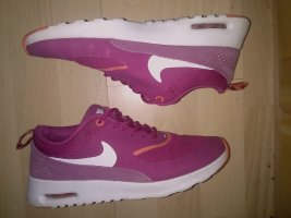 lila pinkfarbene Nike's