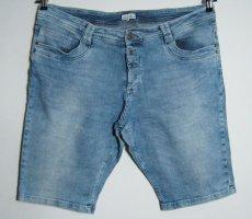 Lisa Tossa Bermuda Shorts Größe 46 Stretch Geknöpft
