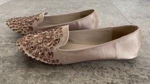 Loafers in Nude mit Steinchen
