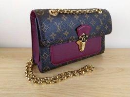 Louis Vuitton Handtasche Victoire Beere