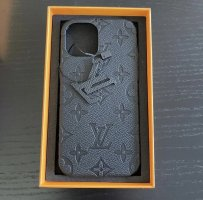 Louis Vuitton Carcasa para teléfono móvil negro