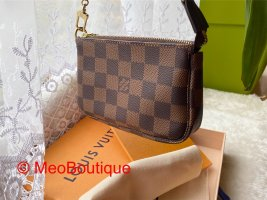 Louis Vuitton Mini Pochette Accessories