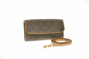 Louis Vuitton Monogram Pochette