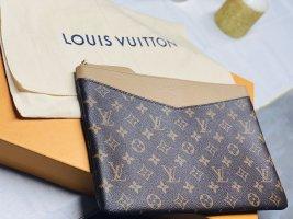 Louis Vuitton Pochette color cammello-marrone