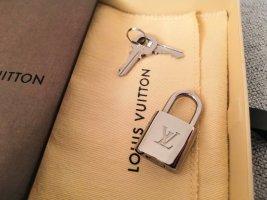 Louis Vuitton Schloss 306 silber