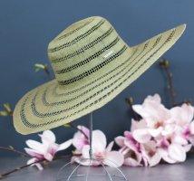 Chapeau de soleil kaki