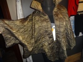 Mantella marrone-grigio-nero