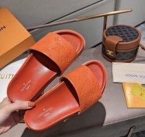 LV Leder flip flops