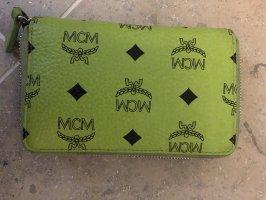 MCM Cartera verde