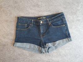 Madonna Pantalón corto azul oscuro