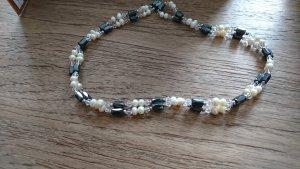 Magnet-Kette mit Perlen