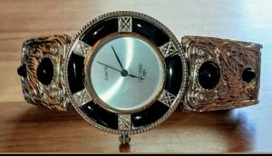 Majestic Watch With Metal Strap black-silver-colored