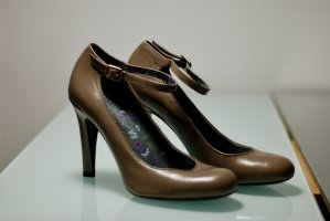 Marc By Marc Jacobs Lederpumps in taupe, NEU
