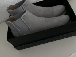 100 Bottines à enfiler gris clair cuir