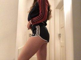 Marineblau glänzende Adidas Shorts Größe 34