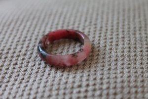 Marmorierter Ring