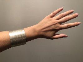 Massiver Armreif aus Silber