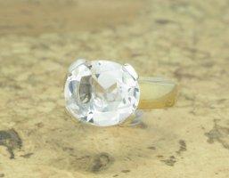 Massiver Goldring mit großem echten Bergkristall