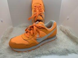 Mega Nike Sneaker in Orange