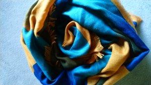 mehrfarbiges Tuch