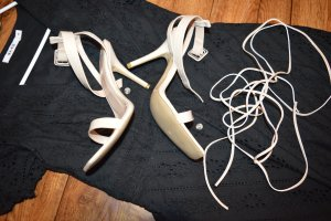 Meine süßen Sandaletten Gr. 6 von Prettylittlething nude