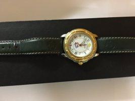 Reloj con pulsera de cuero verde bosque