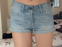 Mid waist Short
