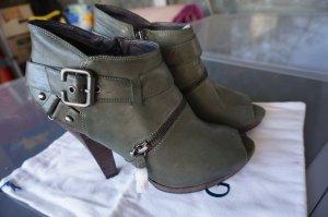 Military-Stil Peeptoe Ankle Boots in grün-grau. Neu!