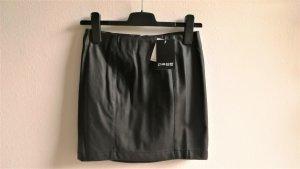 Page one Jupe en cuir synthétique noir polyuréthane