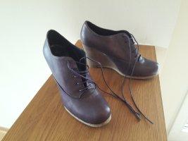 abro Chaussures à lacets violet foncé