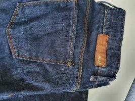 Modische HUGO BOSS Jeans Gr. 28