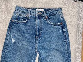 Mom Fit Jeans mit Rissen
