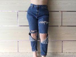 Mom Jeans in Destroyed Optik