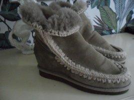 MOU Boots, Eskimo, Lammfell, taupe, Keilabsatz,Gr. 39/40 NEUWERTIG