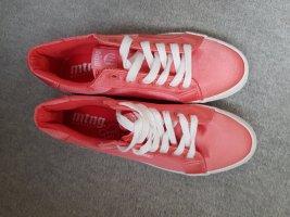 Mtng Sneaker mit softem Fußbett in Satinoptik