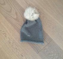 Sombrero de punto color plata lana merina