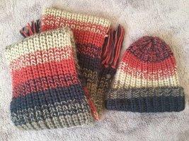 Mütze und Schal von Pepe Jeans