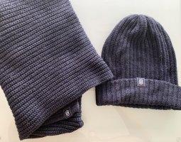 Mütze und Schal von Tommy Hilfiger