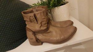 Mustang Boots / Stiefeletten Gr. 37
