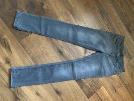 Nagelneue Slim Jeans
