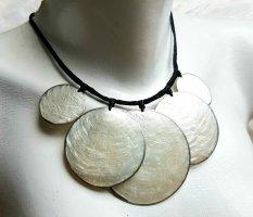 Culture Mix Shell Necklace black-natural white mixture fibre